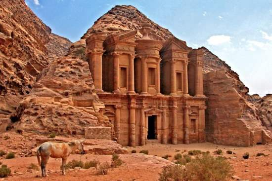 Petra, Jordan : One of the New 7 Wonders of the World